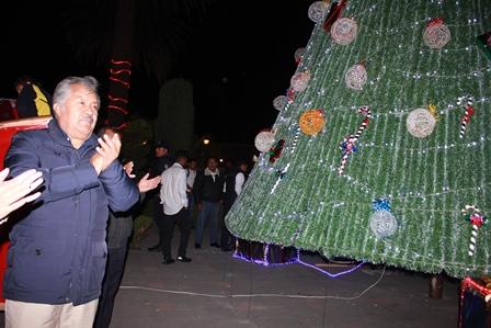 Con el encendido del Árbol de Navidad fomentemos la unidad familiar: alcalde