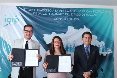 IAIP Tlaxcala firma de convenio con la UVT