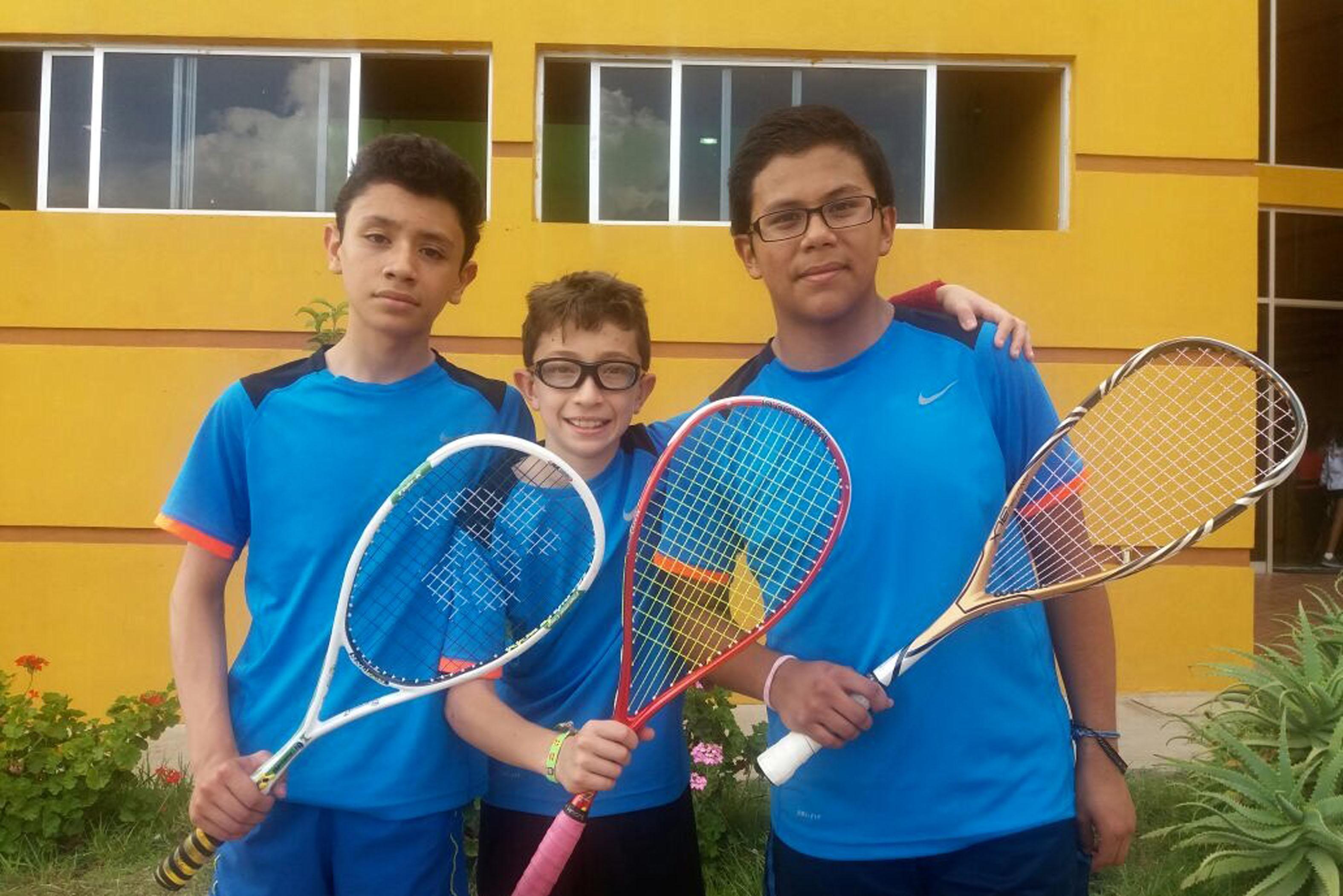 Tlaxcaltecas ganan tercera medalla de oro en Squash
