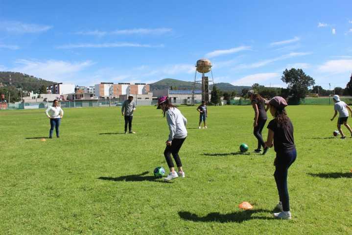 Realizará IDET cursos de capacitación y actualización deportiva para jóvenes