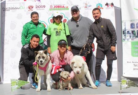 Más de 200 mascotas participan en Huellitas Acción