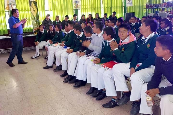 Orienta IEM a mil 400 estudiantes en prevención de violencia de género