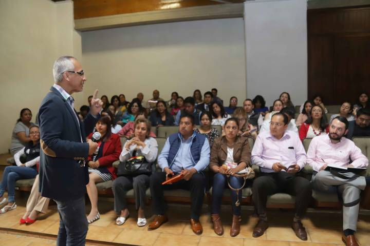 Brindó IEM 250 Pláticas, Talleres Y Conferencias
