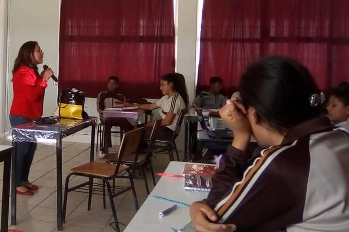 Promueve IEM prevención del embarazo en adolescentes de Amaxac