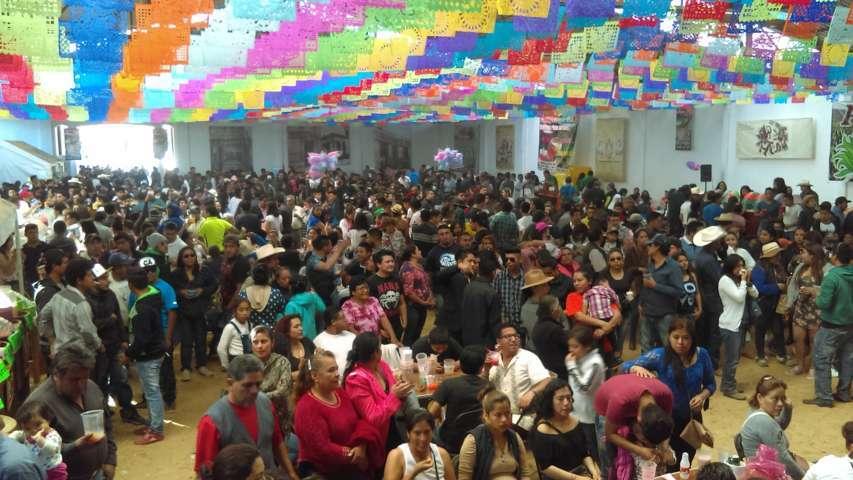 Todo un éxito el pabellón del pulque en la Feria de Nanacamilpa