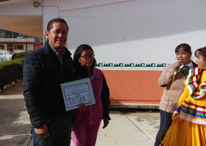 Alcalde reitera su compromiso de trabajar con el CAM 7 de Nanacamilpa