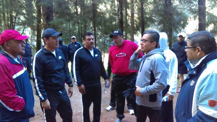 Alcalde promociona en Nanacamilpa carrera Héroes por Ti
