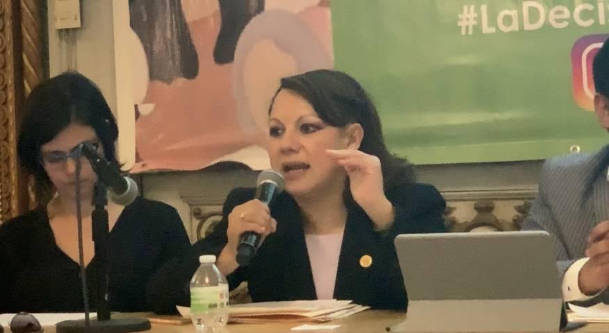 No debemos regatear los derechos fundamentales de la mujer: Claudia Pérez