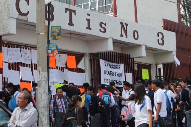 Alumnos del CBTis 3 denuncian irregularidades en el plantel