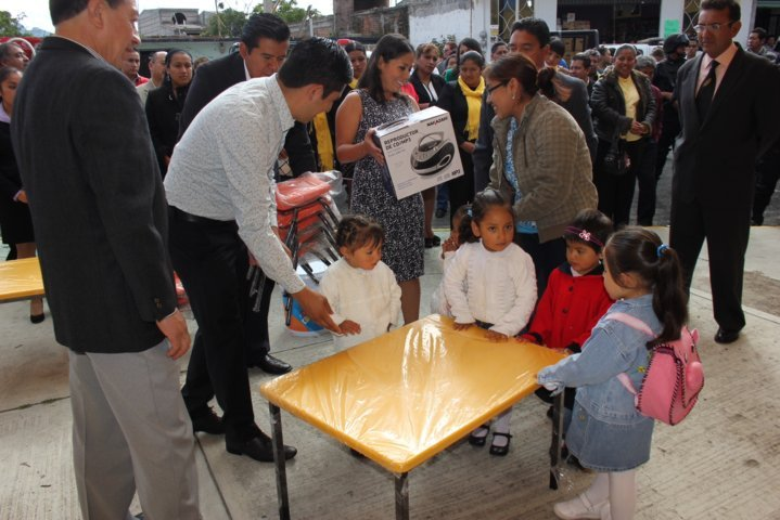 Sin agua escuela primaria en Chiautempan