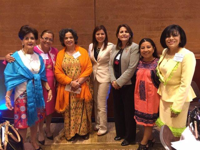 Participa Aurora Aguilar en el mayor foro mundial de mujeres celebrado en Brasil