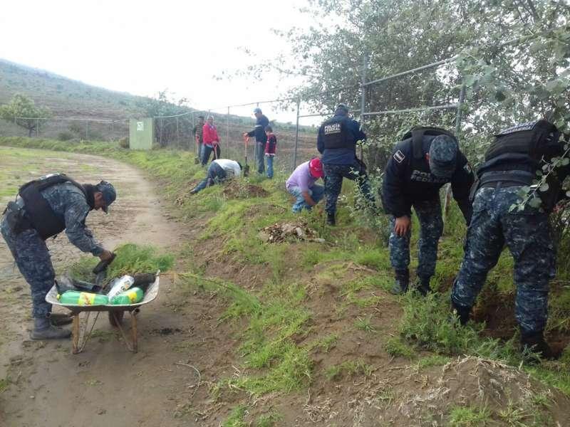 Reforestan Unidad Deportiva de Terrenate en Tlaxcala