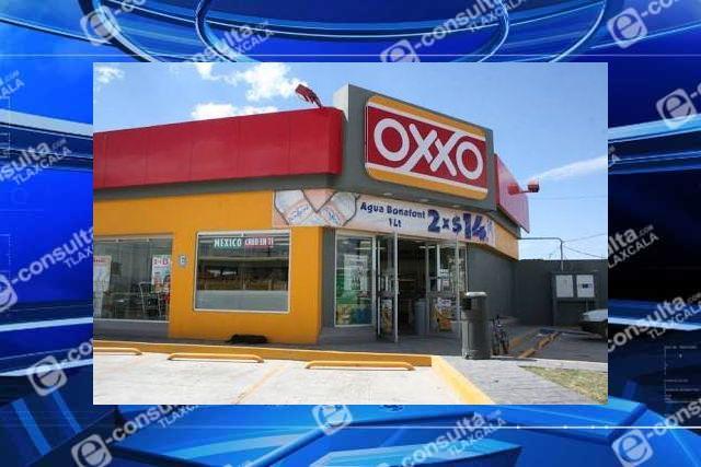Sujetos armados atracan Oxxo en Huamantla