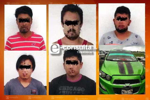 Aseguran a cinco personas por la portación ilegal de narcóticos