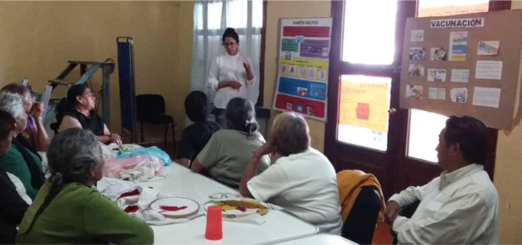 Realizan platicas sobre el tema Diabetes Mellitus a abuelitos de San Pablo Del Monte