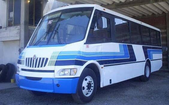 Sujetos armados atracan autobús de Flecha Azul en Tepetitla