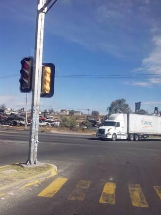 Una persona queda prensada en accidente en Huamantla