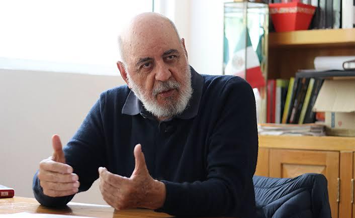 Álvarez Lima se va a canal 11, Tongolele sube al Senado