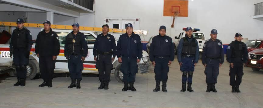 Comando armado desarma a la policía de Tocatlán y se lleva cajero