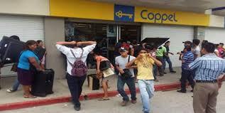 A punta de pistola asaltan Coppel en San Pablo del Monte