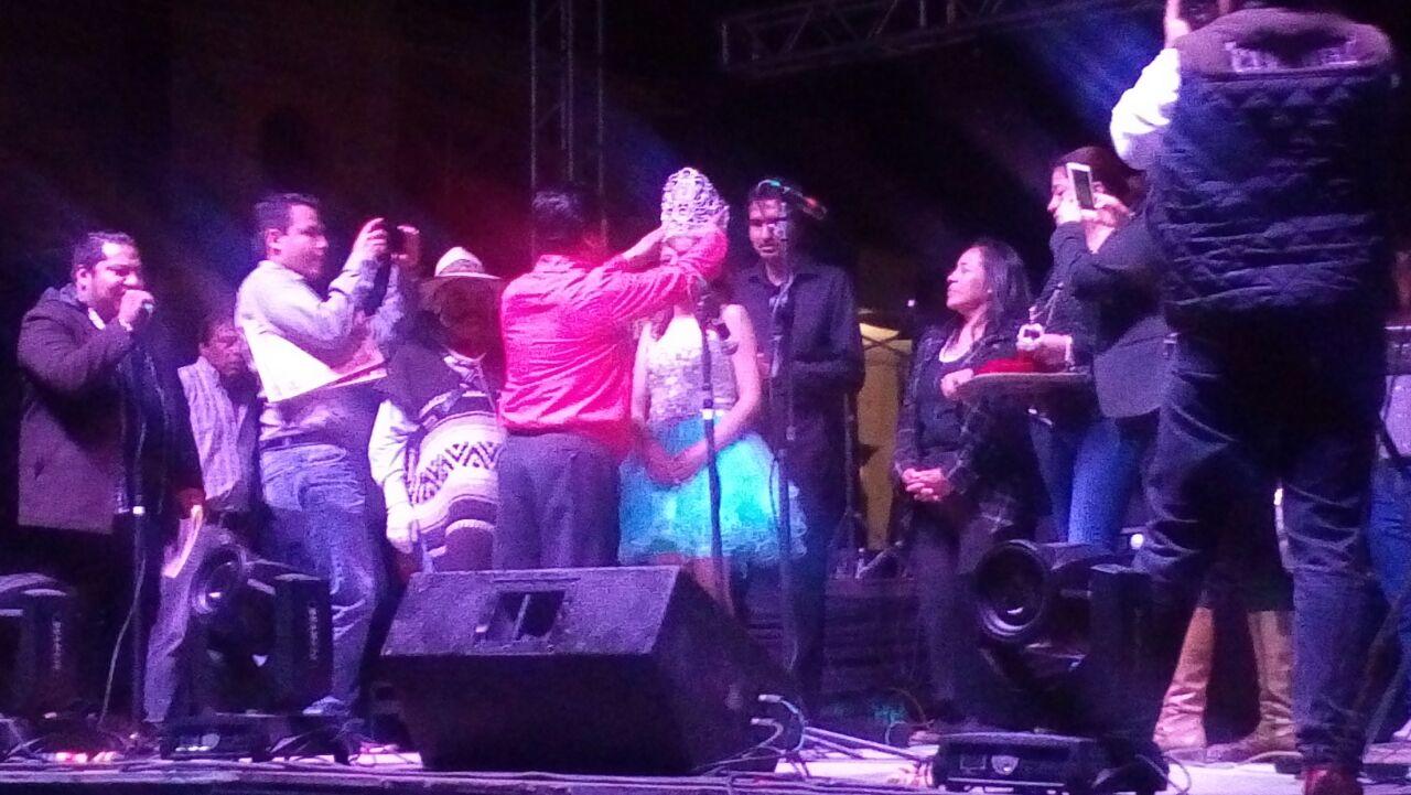 Alcalde coronó a la reina del carnaval Xaloztoc 2016
