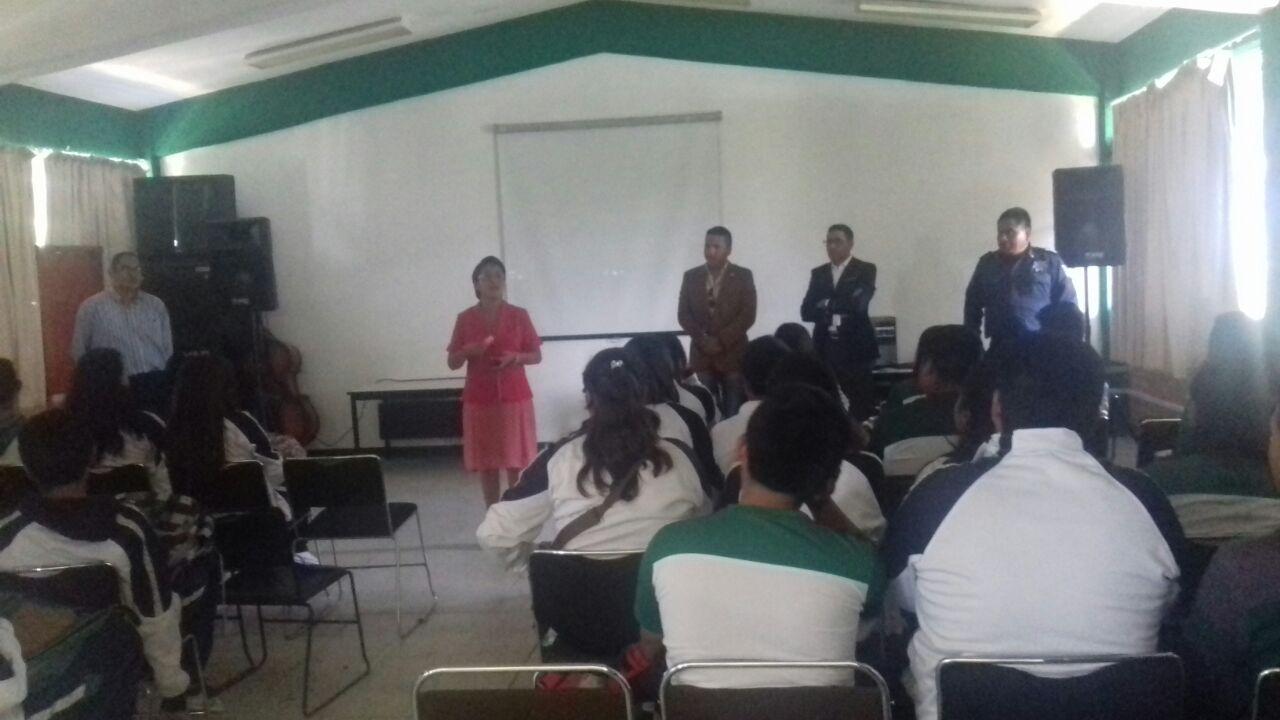 Alumnos del CECyTE reciben pláticas de prevención del delito