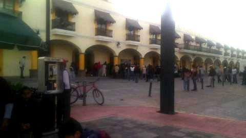 Por despidos injustificados, toman alcaldía de San Pablo del Monte