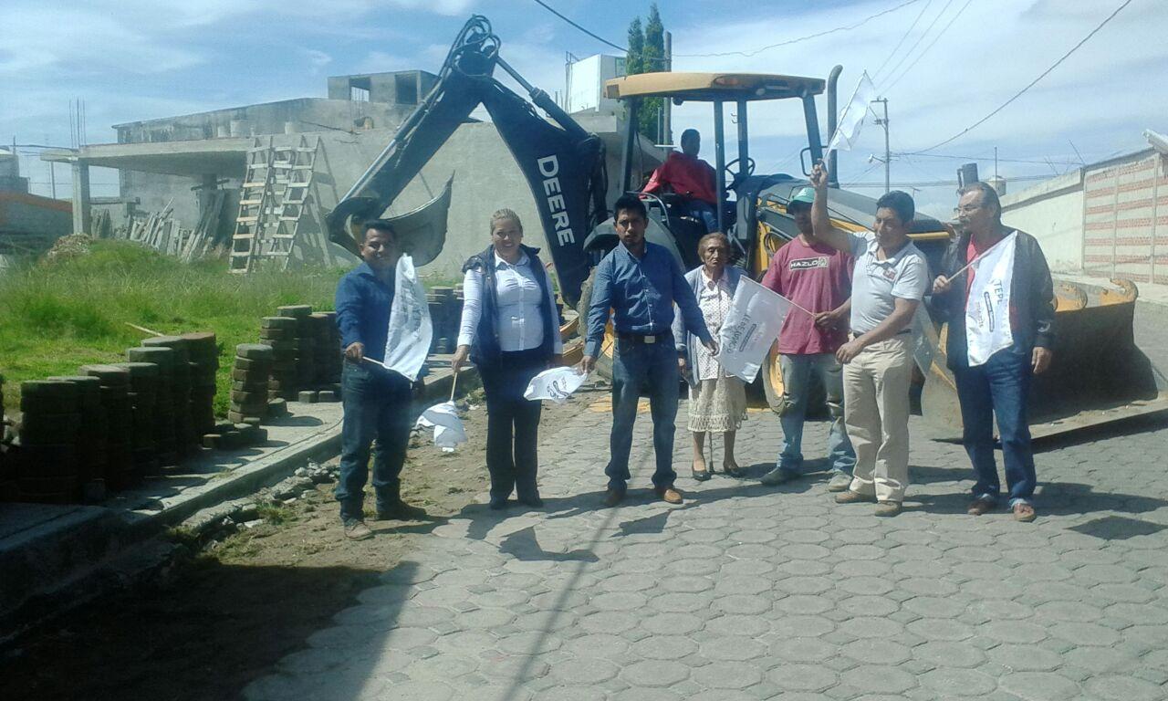 Gobierno municipal rehabilita red de agua potable en Tlacochcalco