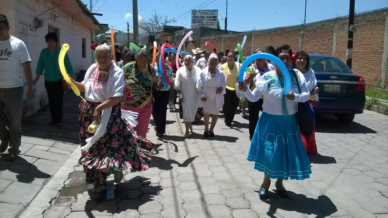 Los adultos mayores fueron festejados por el SMDIF