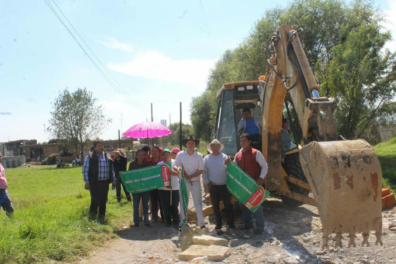 Barranco Palacio inicia los trabajos de drenaje en Tenenyecac