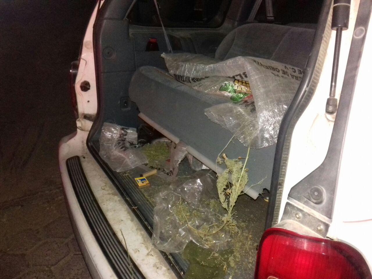Policía municipal halla cargamento de marihuana en camioneta abandonada