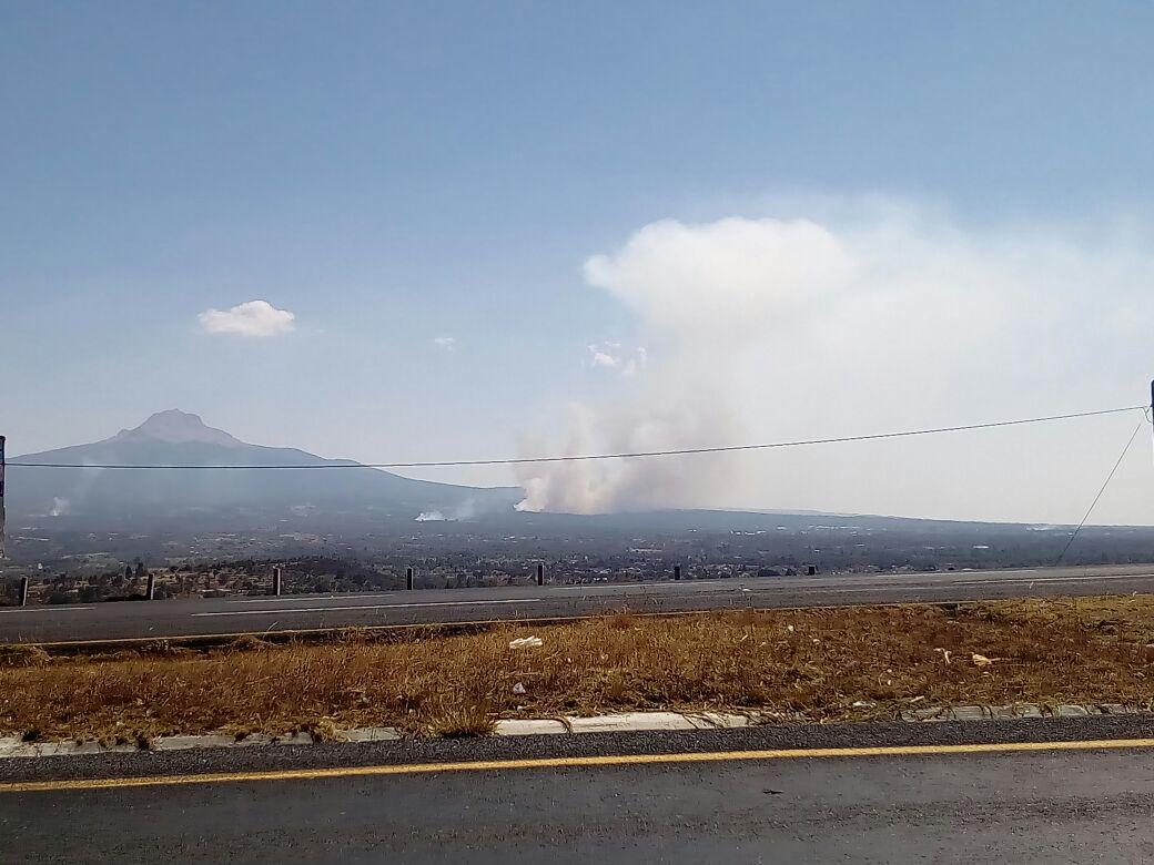 Pobladores denuncian incendio en la Malintzi