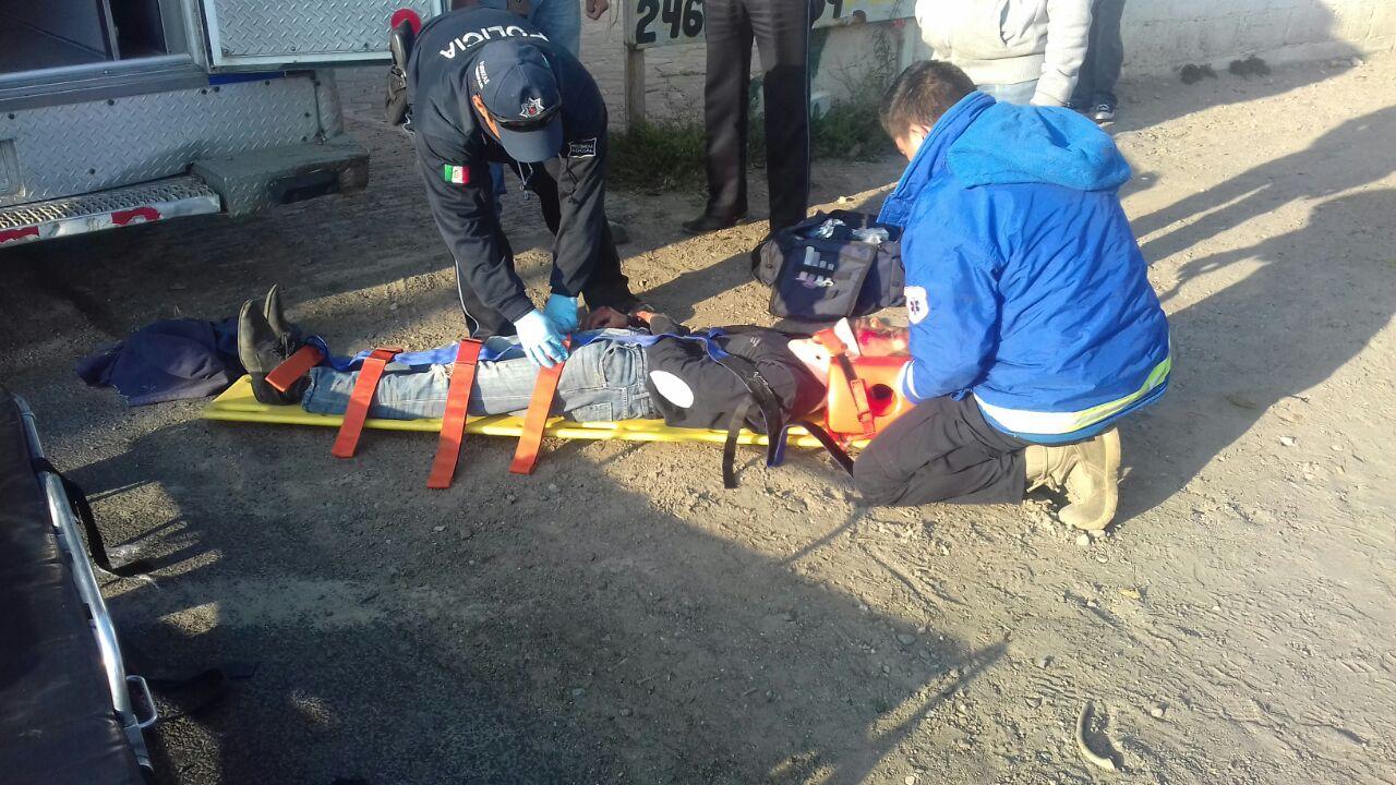 Menor de edad es atropellado en la vía corta en Tlaltelulco