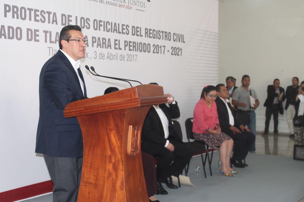 Marco Mena vigilará a nuevos jueces municipales del registro civil