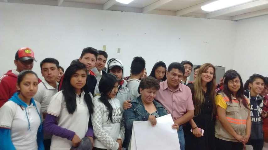 Capacitación a estudiantes de secundaria en Tzompantepec