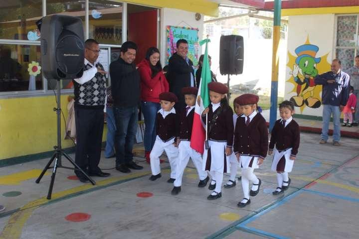 Murias Juárez reafirma su compromiso con la educación de los niños