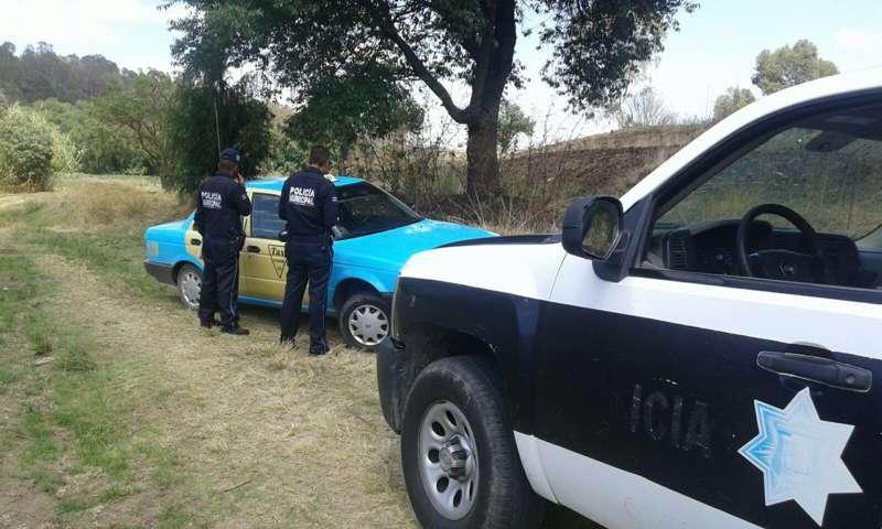Policía municipal de Ixtacuixtla recuperan taxi robado en San Martin