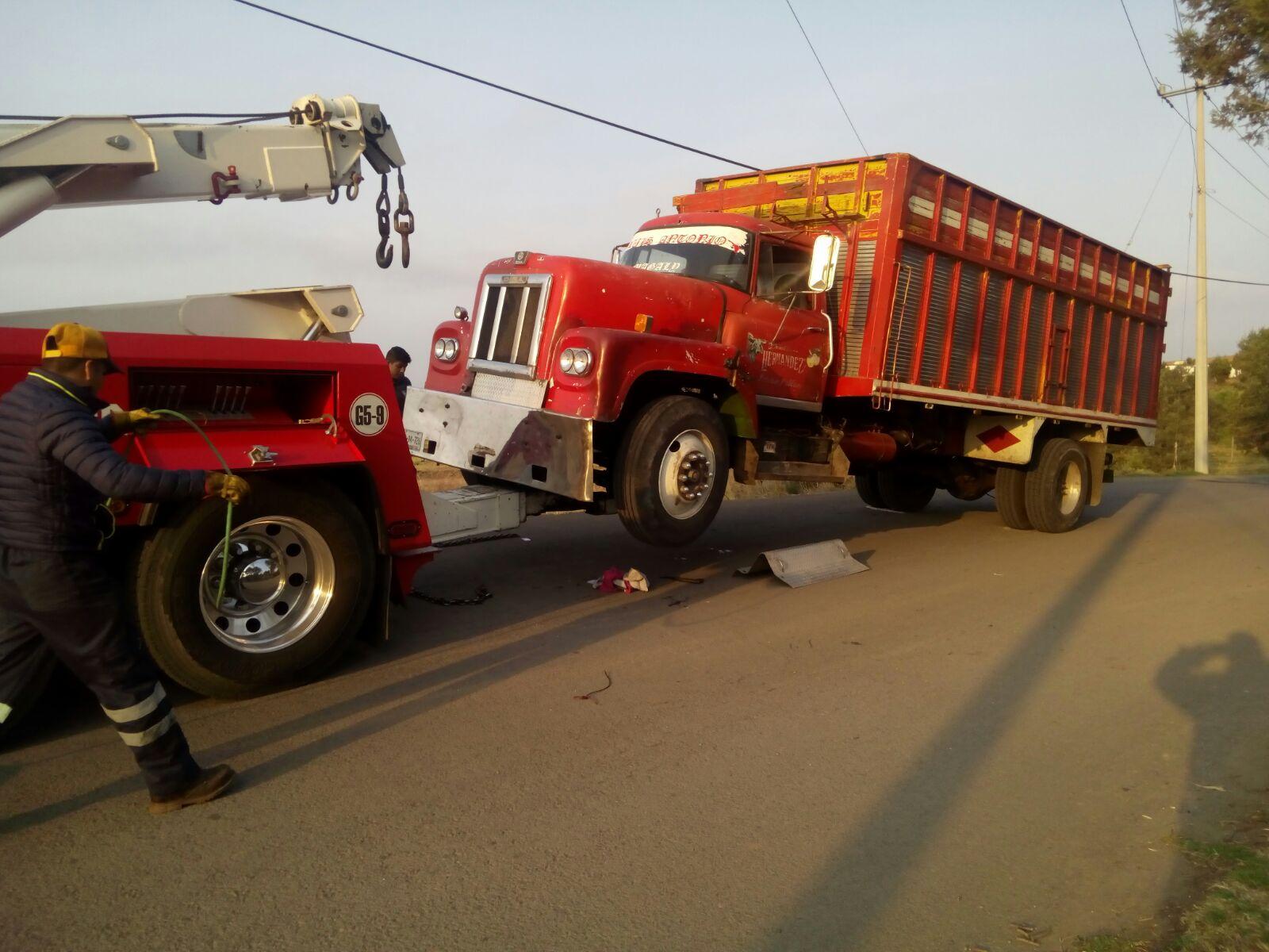 Recuperan unidad vehicular con reporte de robo, policía de Tetla de la Solidaridad