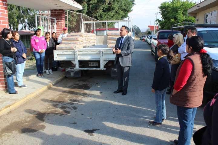 Continua apoyo a instituciones educativas, Ayuntamiento de Tetla de la Solidaridad