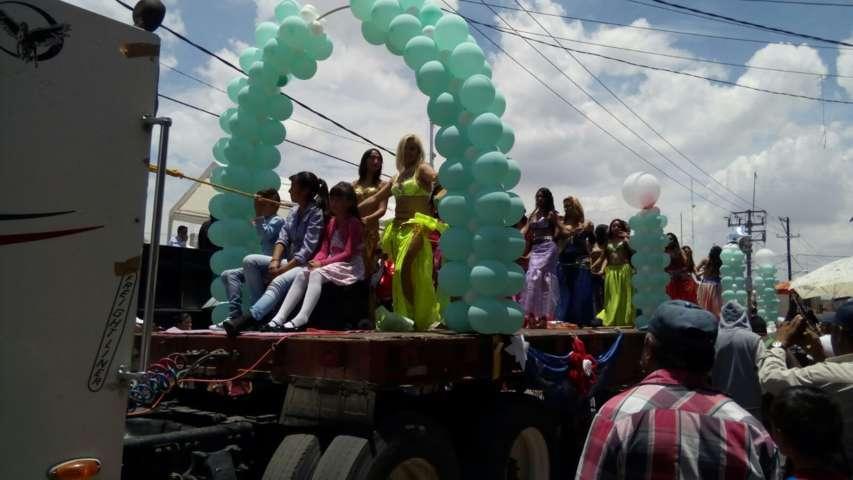 Con espectacular desfile de prefería inicia Calpulalpan su tradicional Feria Patronal 2017