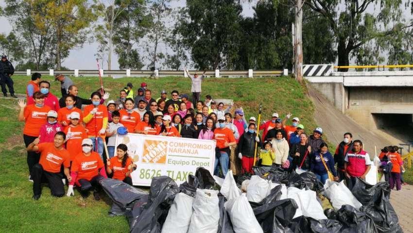 Recogen más de tonelada y media de basura en jornada de limpieza en Apetatitlán