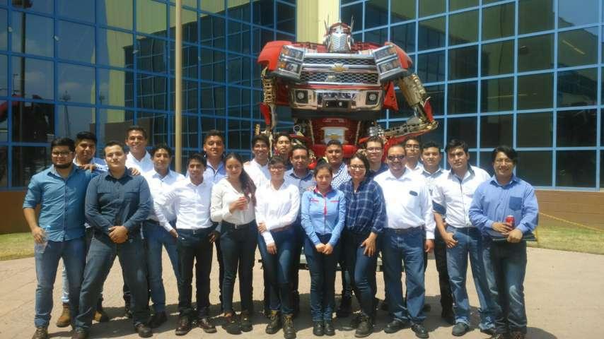 Establece Uptx alianza estratégica con General Motors México