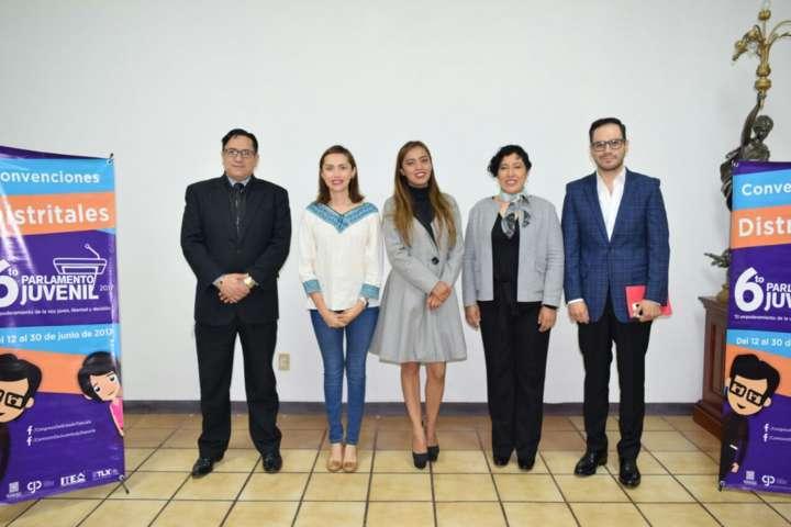 Concluyen convenciones distritales para integrar 6to el Parlamento Juvenil 2017