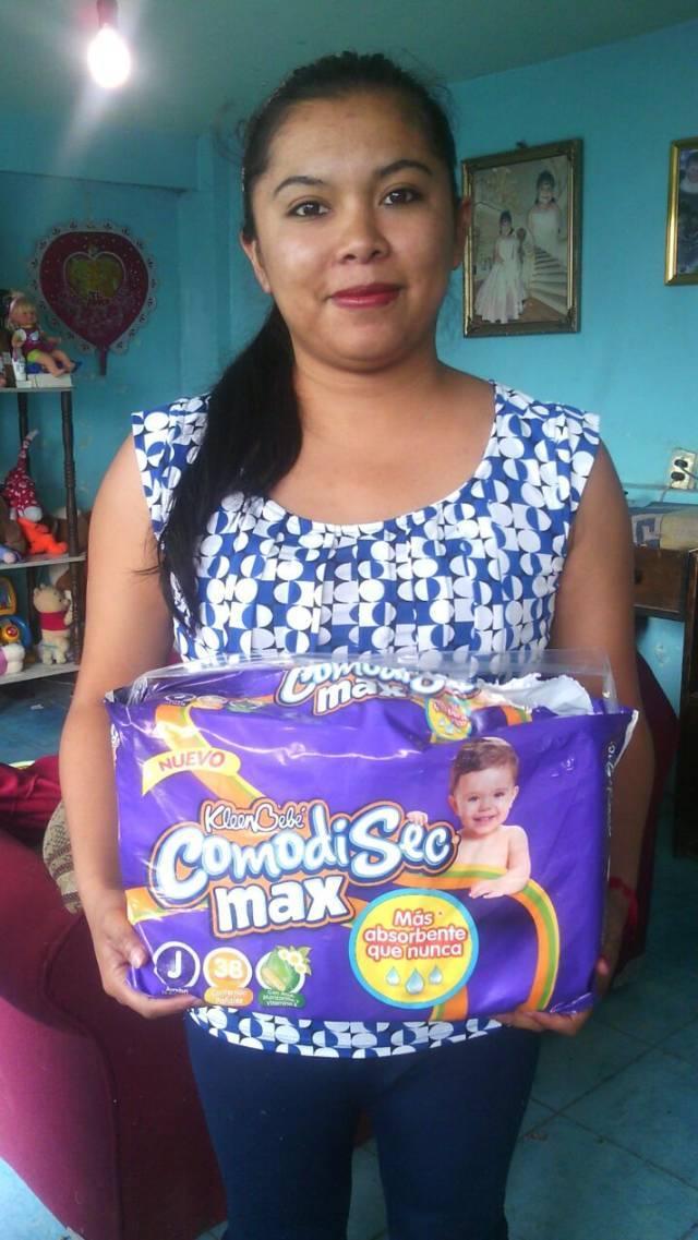 Ayuntamiento de Tzompantepec entrega pañales