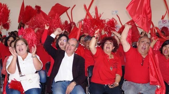 Daniel Romero abarrota auditorio del IMSS en su cierre de campaña