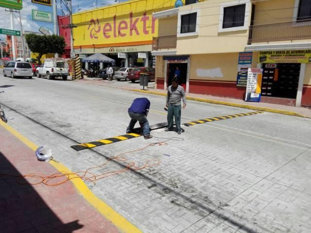 Ayuntamiento previene accidentes con reductores de velocidad
