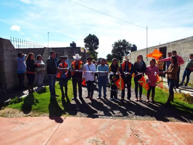 Alcalde acerca servicios prioritarios a Cuaximala y a las Carrozas