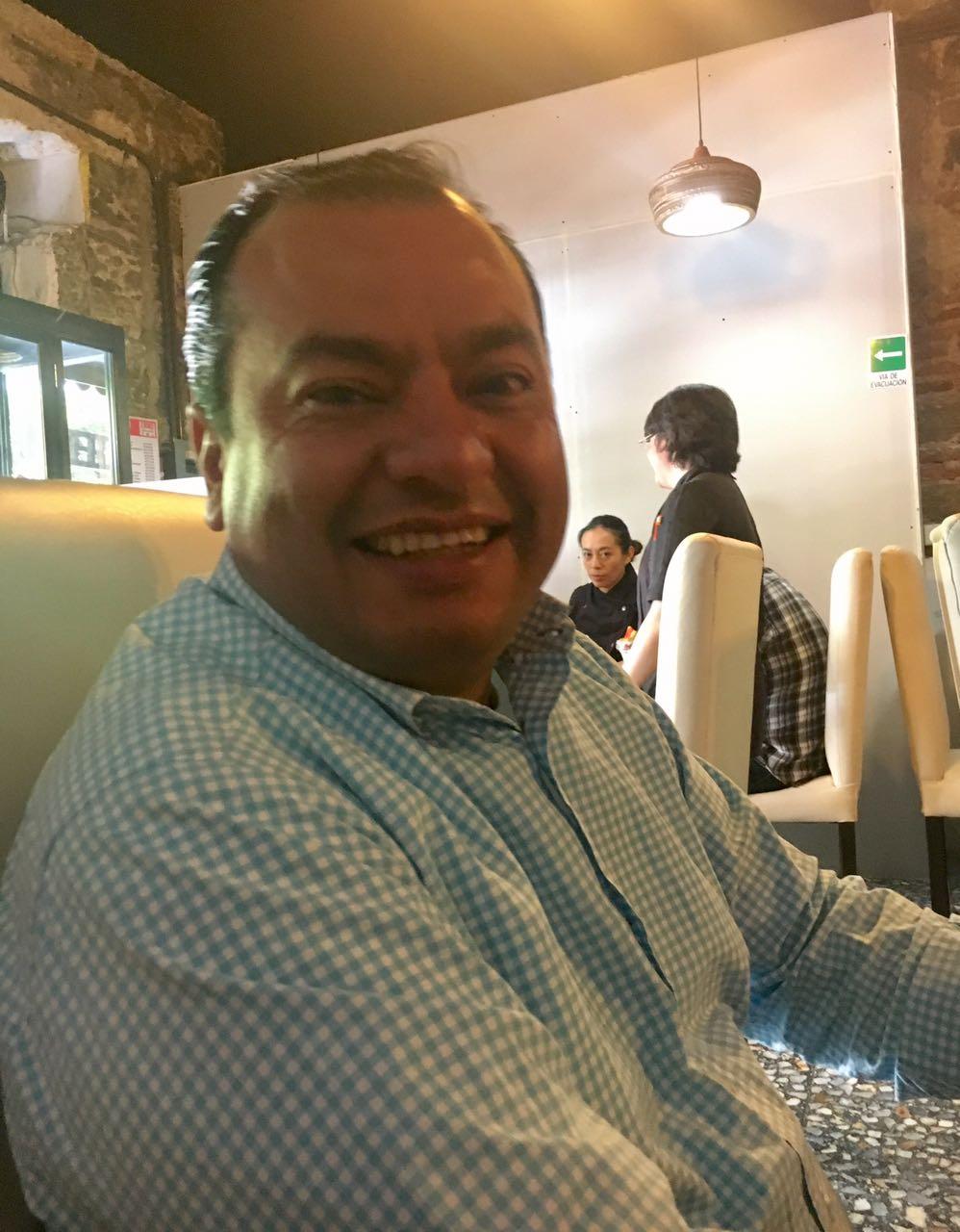 """Impulsan vecinos a """"perfil ciudadano"""" para ser diputado local"""