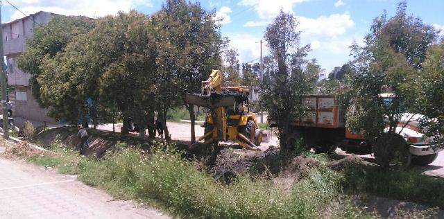 Realizan trabajos de desazolve en canal San Diego: Presidente de comunidad de Villa Alta