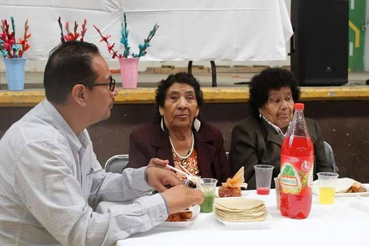 Ayuntamiento de Xiloxoxtla festeja a los abuelitos con una homilía